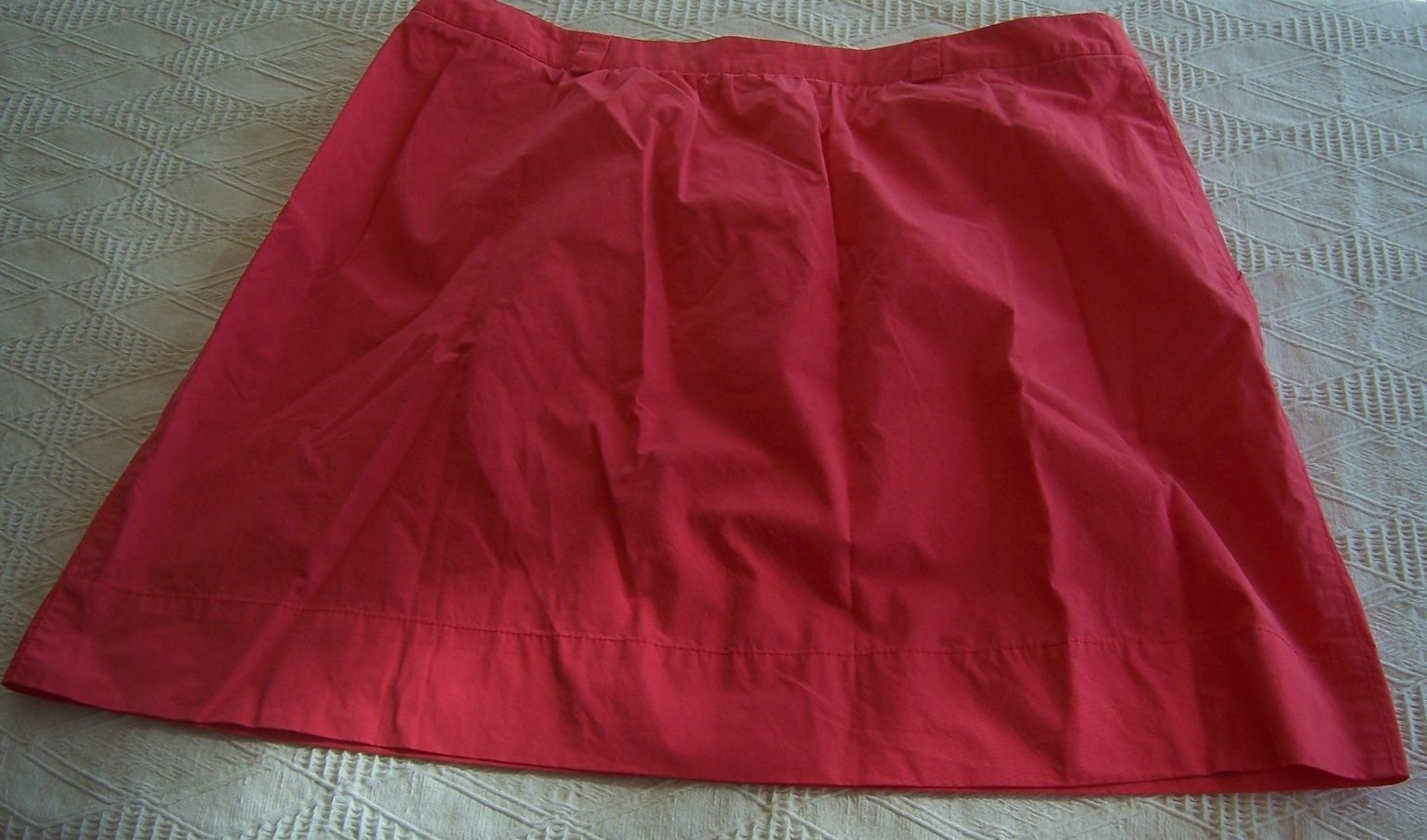 NWT Lacoste Red Strawberry Cotton Skirt  Misses Size 40 (8) Knee Length
