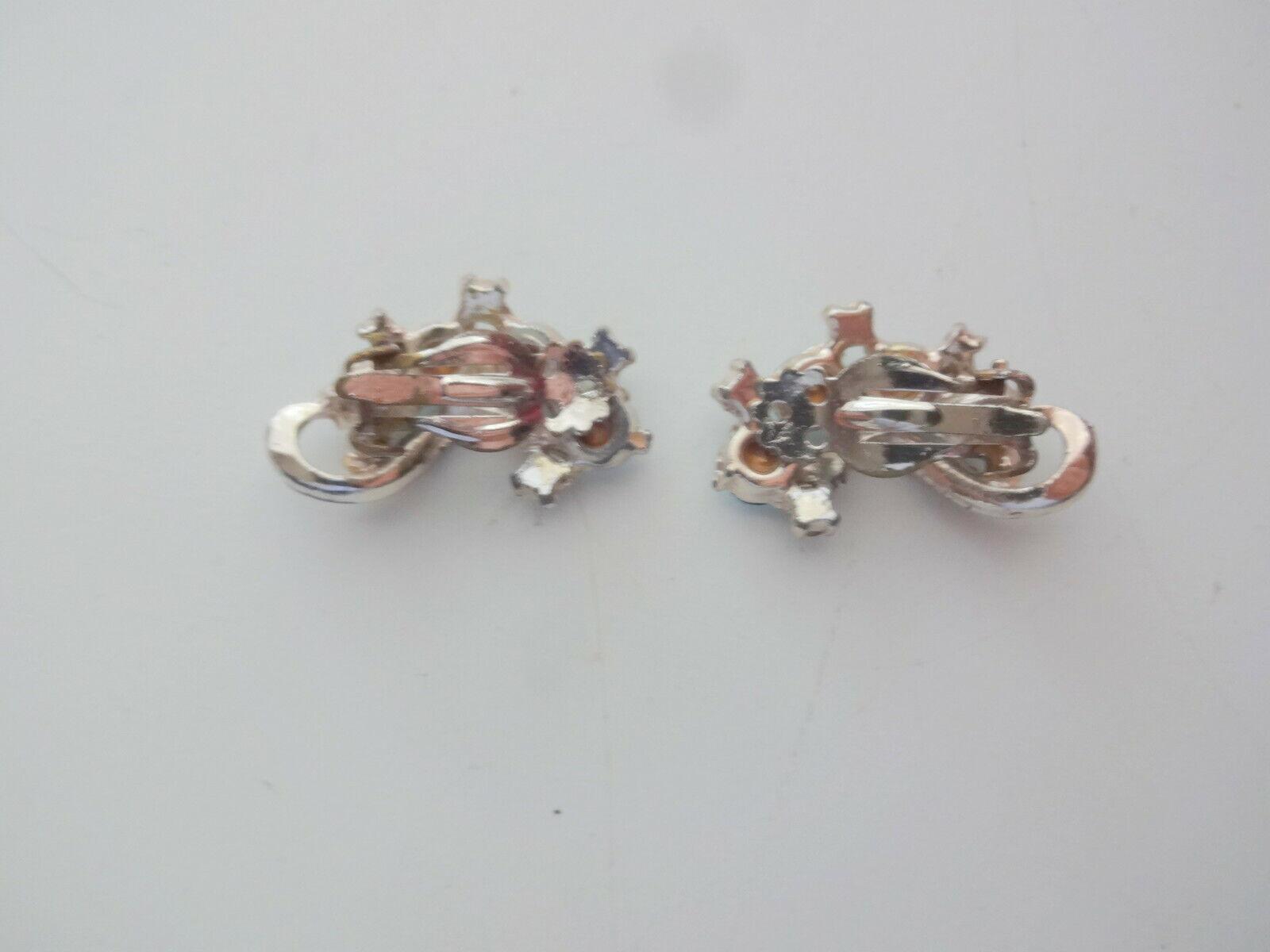 Vtg Aqua Blue Rhinestone Clip On Earrings - image 3