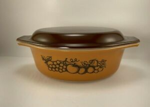 Pyrex Vintage Old Orchard Pattern Oval Cinderella Casserole w Lid #043-1 1/2 Qt