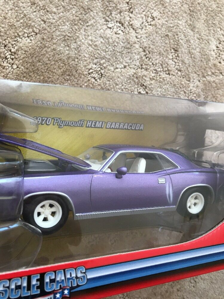 1970 PLUM PLYMOUTH HEMI BARRACUDA 1 24 Johnny WHITE WHITE WHITE WHEELS & INTERIOR Lightning 838738