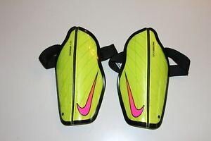Nike Protegga Flex Football Shin Guards  Pads Size M For 160-170cm High