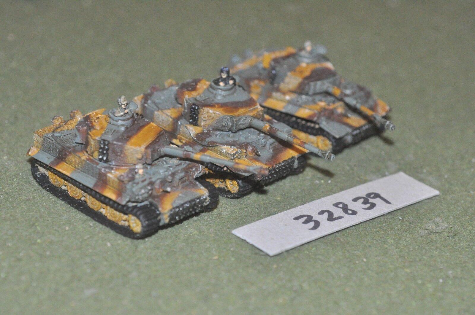 15mm WW2   hungarian - 3 tanks - vehicles (32839)