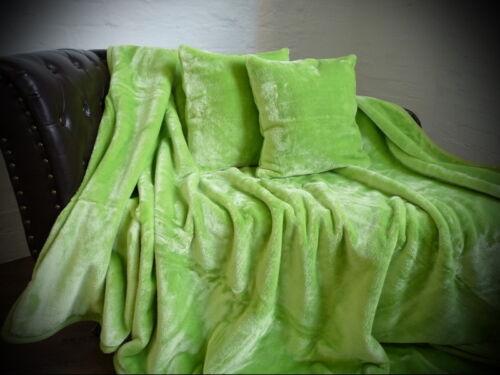 3tlg Set Tagesdecke Kuscheldecke Glanz-Design hell grün 2 Kissen 40x40cm