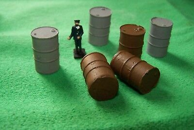 Eight Unpainted Single O Gauge Old Rusty Style Oil Barrels Curare La Tosse E Facilitare L'Espettorazione E Alleviare La Raucedine