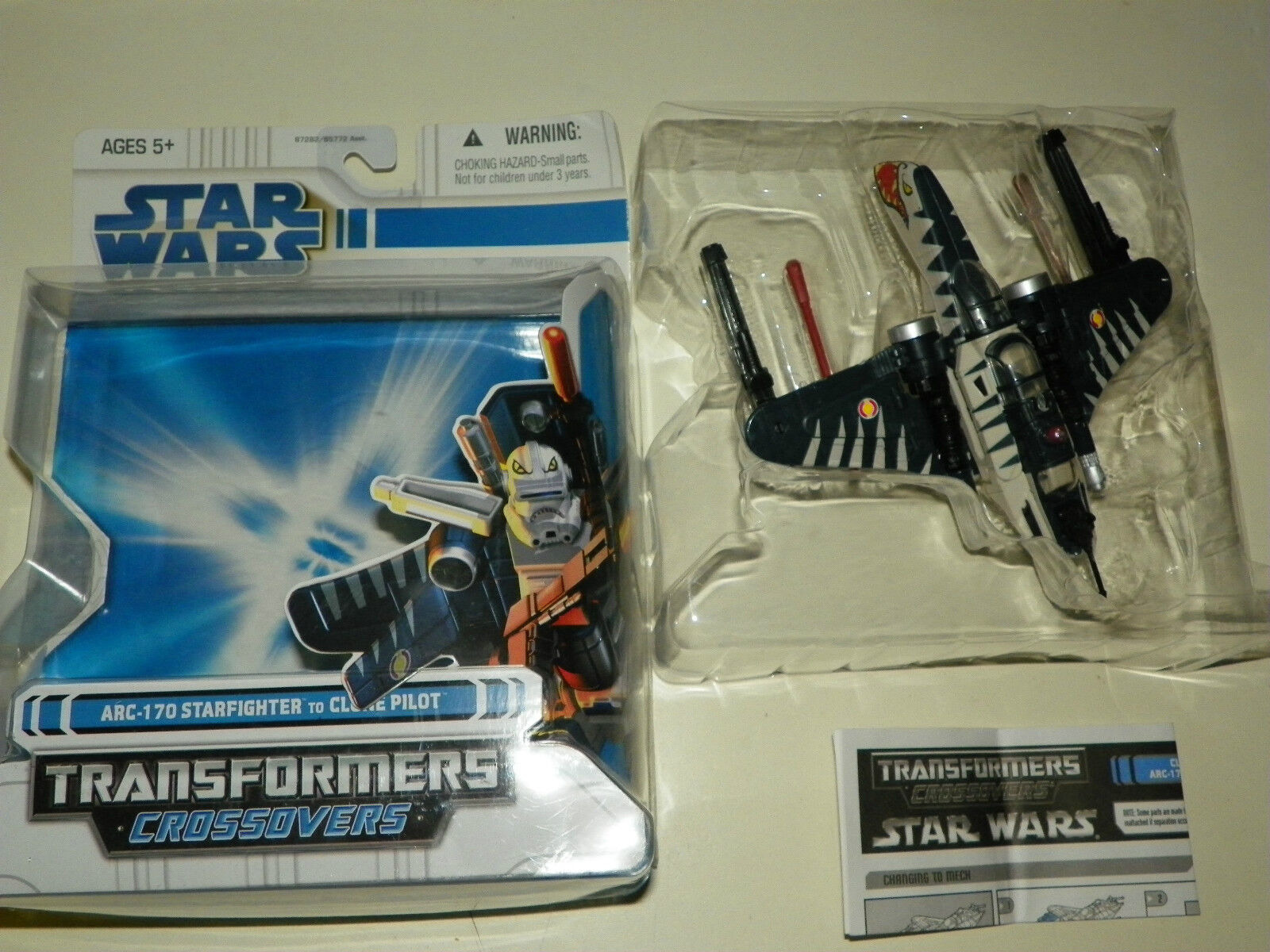 Star Wars Transformers ARC 170 Starfighter to Clone Pilot