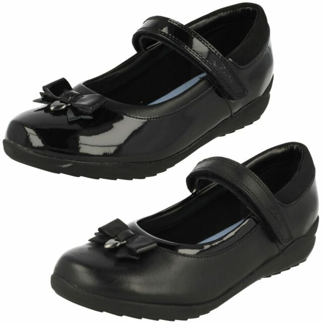 c52791e816230 Girls Clarks Bow Detailed School Shoes Ting Fever INF UK 11 Black ...