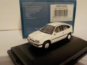 Vauxhall-Astra-White-Model-Cars-Oxford-Diecast