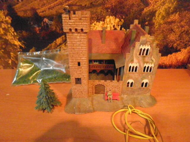 Faller Burg ,Schloss 29201 N mit Beleuchtung , Figuren Tanne, ansehen !
