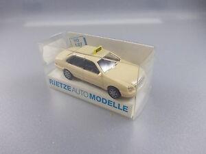 Rietze-N-30570-FORD-MONDEO-taxi-gk8