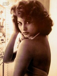 With Sophia loren sexy about such