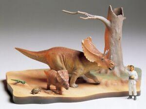 Tamiya-60101-1-35-Dinosaur-Chasmosaurus-Diorama-Set-New