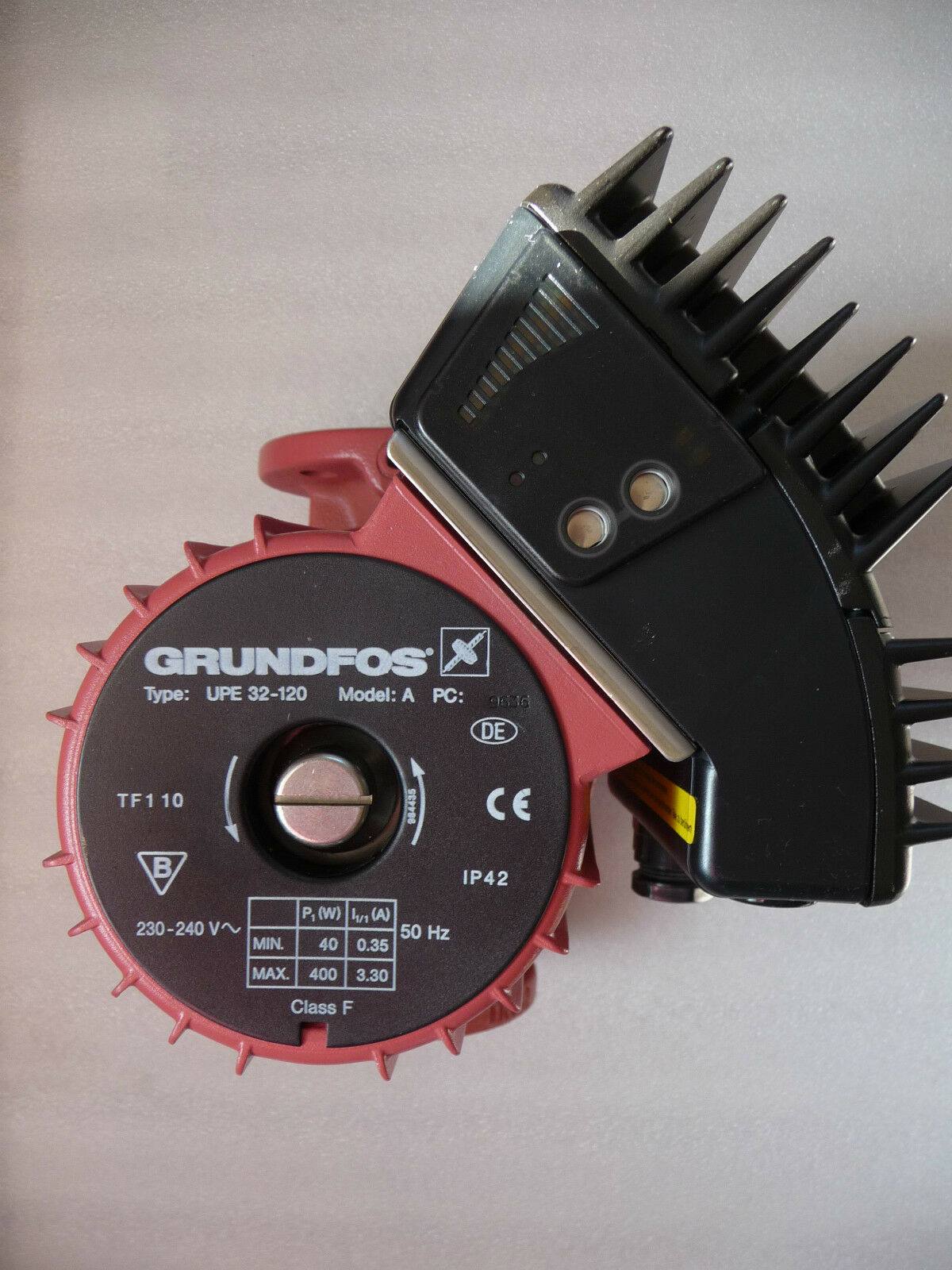 Grundfos UPE 32 - 120 Heizungspumpe 230 Volt Umwälzpumpe 220 mm NEU P3472/16
