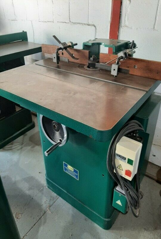 Woodworking machinery/ Woodworking machines/ Spindle moulder THIS MACHINE IS IN CAPE TOWN