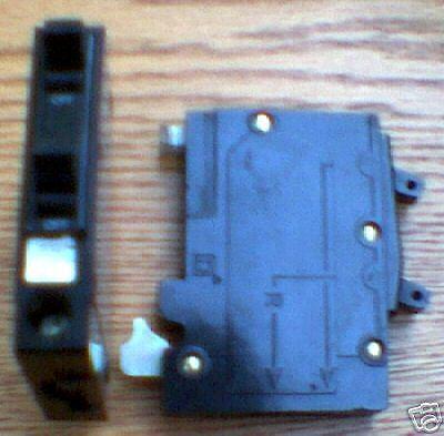 Square D QOT1515 Tandem 15 Amp QOT Circuit Breaker