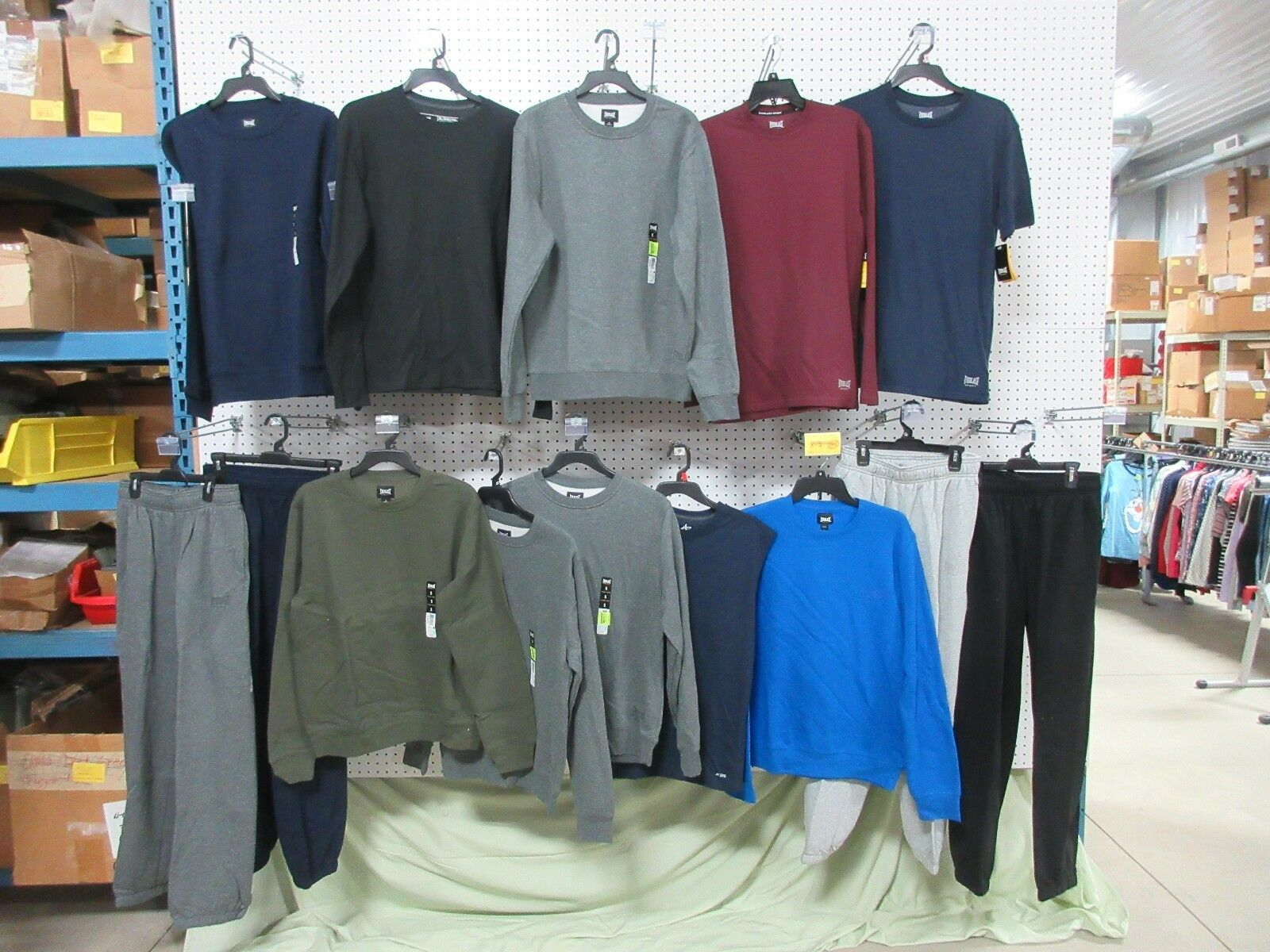 14 MENS SWEAT PANTS SWEATSHIRTS SIZE SMALL S ATHLETIC CLOTHES GYM LOUNGE LOT
