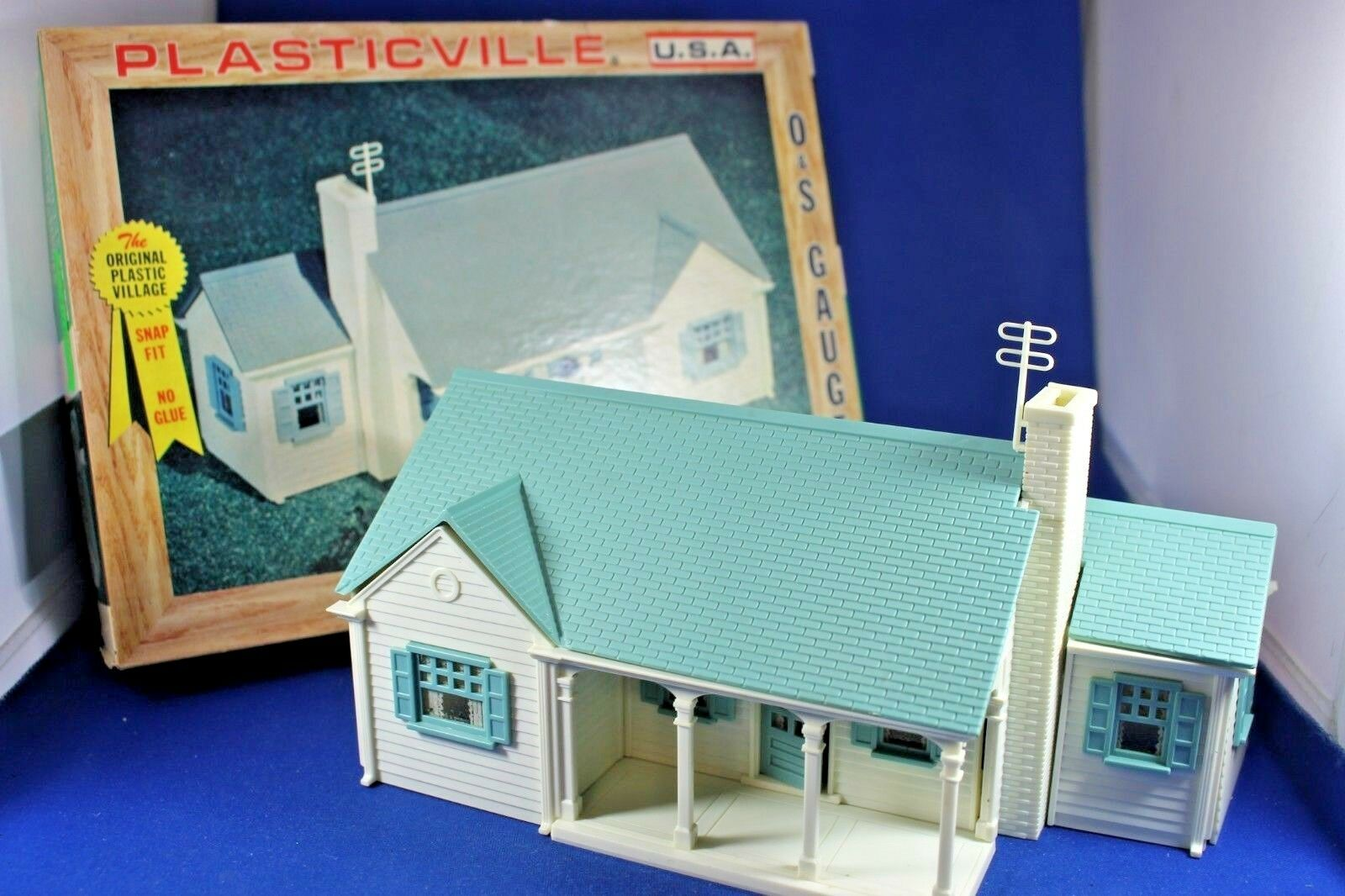 Plasticville - New England Rancher House - Complete - Box - Excellent