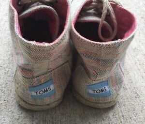 Toms Womens Size 8.5 Shoes High Top