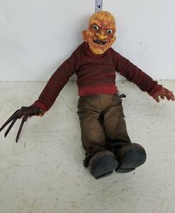 Mezco Freddy Krueger En Chemise Rayée Peluche Figure En Vrac