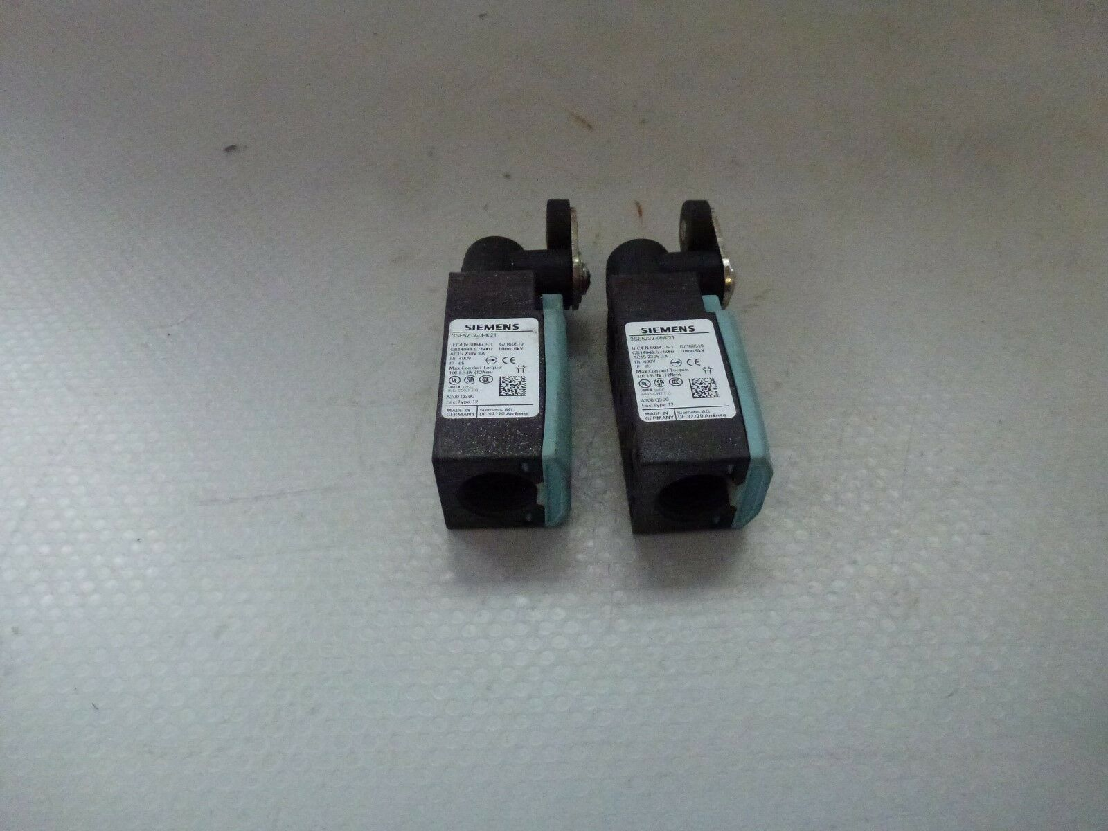 2 Pcs Siemens 3SE5232-0HK21 Pivot Position Switch