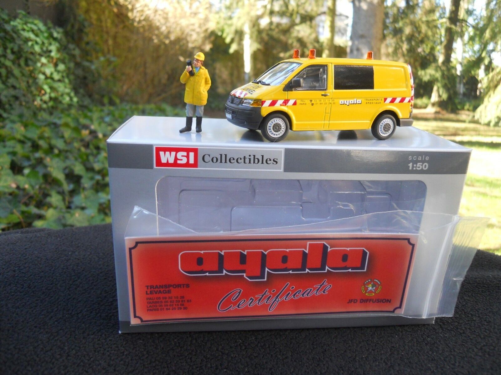 WSI MODELS  02-1532 VW VOITURE D'ACCOMPAGNEMENT AYALA + FIGURINE EXCLUSIF JFD