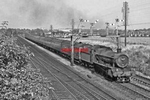 PHOTO  GWR LOCO  6868  WORTING JCT - Tadley, United Kingdom - PHOTO  GWR LOCO  6868  WORTING JCT - Tadley, United Kingdom