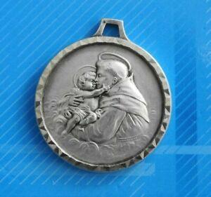 Jolie-Medaille-Saint-Christophe-argentee-Ref-607