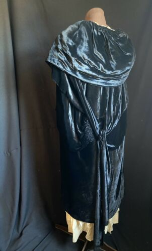 FLAPPER 1920s VELVET ANTIQUE OPERA DRESS CAPE wTAS