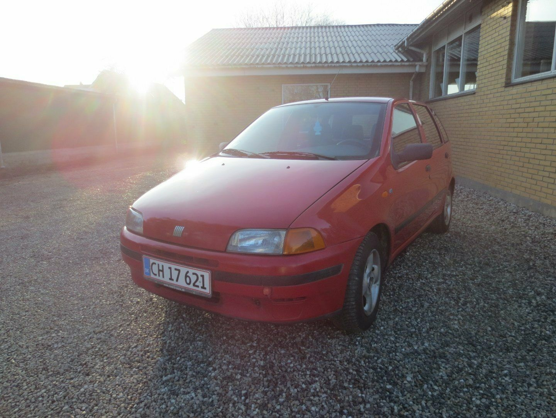 Fiat Punto 1,2 60 SX 5d - 9.900 kr.