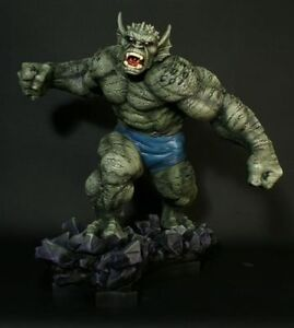 ABOMINATION-STATUE-BY-BOWEN-DESIGNS-SCULPTED-BY-RANDY-BOWEN
