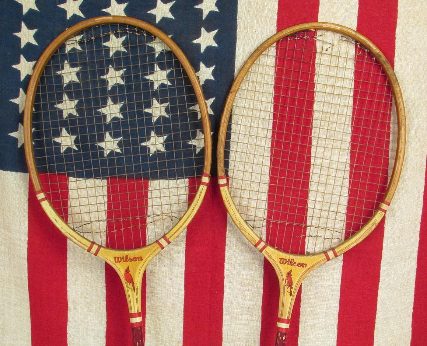 Vintage Par Wilson Madera badminton raquetas cardenal Modelo Antiguo Decoración Decoración Decoración de parojo a665e7