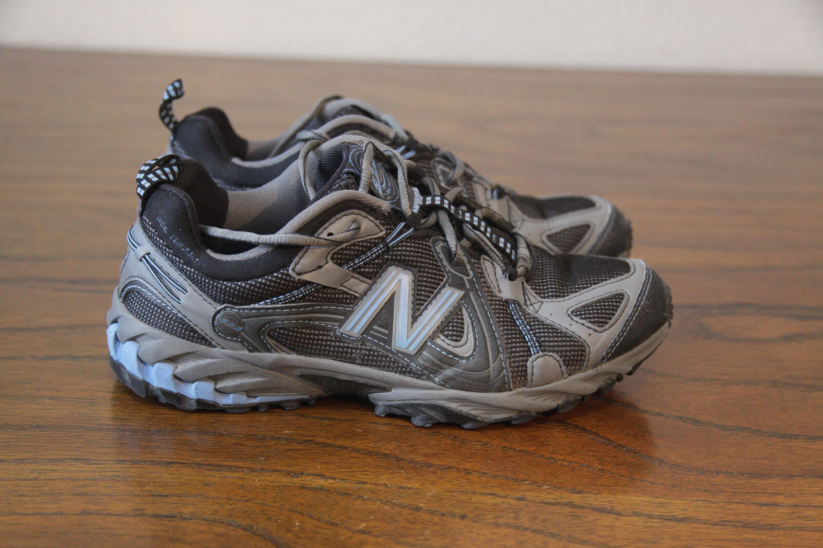 New Balance Women's WT573BB Trail   Hiking shoes Size 8.5 bluee Superfeet Insoles