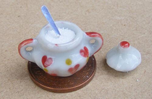1:12 SCALA Cuore Motivo Bianco Ciotola in Ceramica con Cucchiaino da zucchero /& Casa di Bambole tumdee