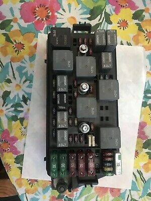 saturn relay fuse box 2004 2005 saturn vue 3 8l fuse box assembly w fuses p n 15334626  2004 2005 saturn vue 3 8l fuse box