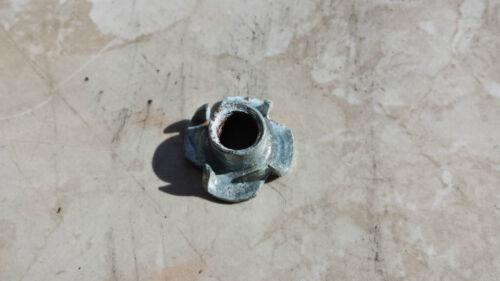 Einschlagmutter M10 Gewinde verzinkt 250 Stück