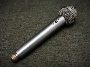 Vintage-Voice-Microphone-Unmarked-Handheld-Cable-Connect-Untested