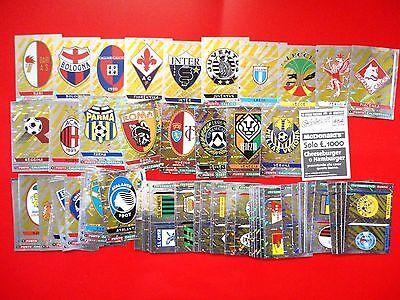 Set Completo 83 SCUDETTI-BADGES Stickers-New CALCIATORI PANINI 2000