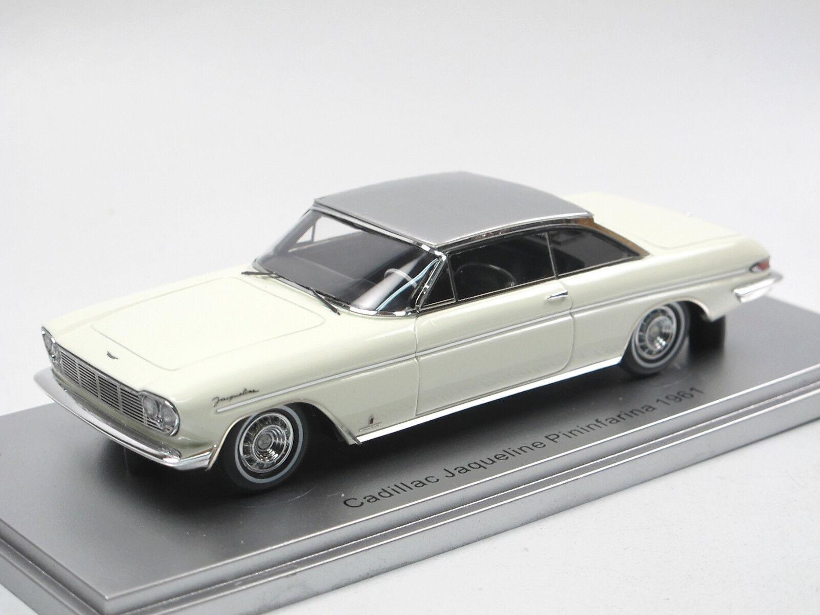 KESS skala modellllerler 1961 Cadillac Jacqueline Pininfkonst HT Coupe vit 1  43 NEU