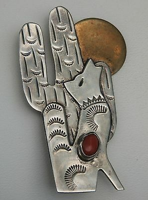 Southwest M. Guerro Sterling Silver Wolf Howling @ Brass Moon Coral Brooch Pin