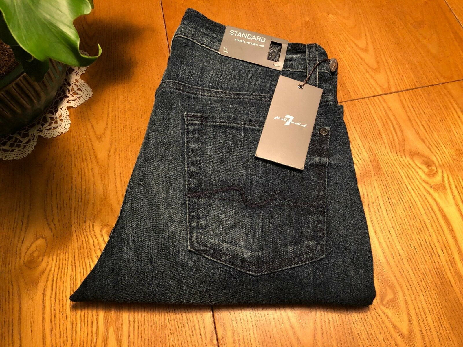 MENS 7 FOR ALL MANKIND STANDARD STRAIGHT LEG JEANS 29 X 32.5 NWT...VERY NICE