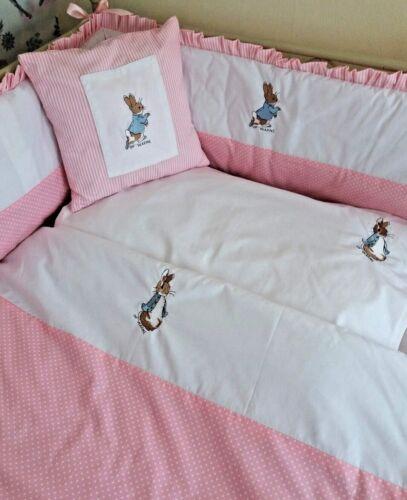 Lit bébé Set Coussin Peter Rabbit Nursery Paquet couverture polaire couches Stacker