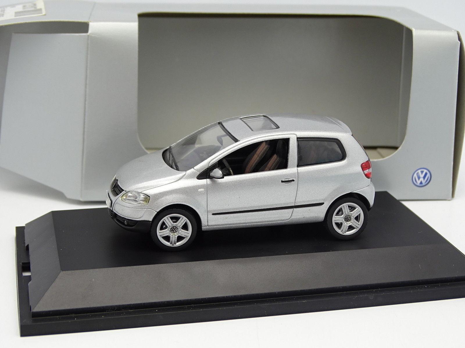 nuevo sádico Schuco 1 43- VW VW VW Fox plata  Precio al por mayor y calidad confiable.