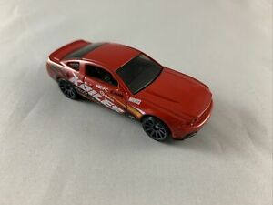 HOT-Wheels-2010-Ford-Mustang-GT-Auto-soddisfare-5-Pack-Exclusive-Nuovo-di-zecca-loose-1-64