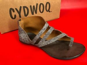 Cydwoq Civilian Toe Ring Metallic Silver Crackle Leather Sandals EU 40 US 10
