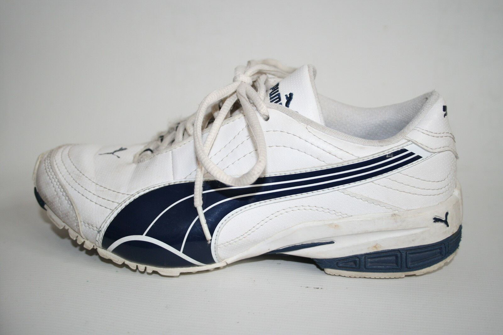Puma Woman's Girls Shoes Fitness Trainers White Blue Leather Fitness Shoes Running 4 UK 637d7f