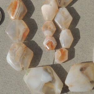 20-diamond-shaped-tabular-ancient-agate-african-stone-beads-mali-3953