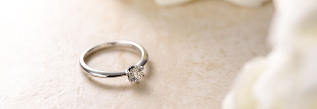 How To Clean Your Diamond Engagement Ring Without Going To