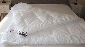 Duo-Steppdecke-Bettdecke-140x200cm-Manhattan-Bezug-65-Polyester-35-Baumwolle