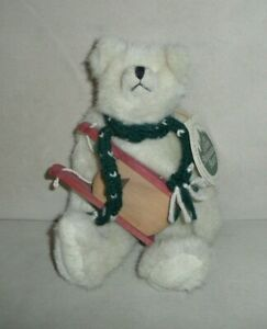 1993-9 INCH TAGGED MARY MEYER GREEN MOUNTAIN BEARS  WITH SLED & SCARF-BOLTON