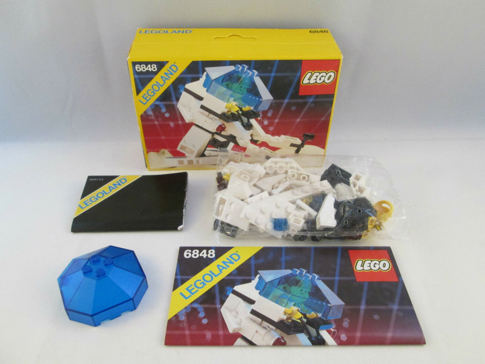 Lego Space SEALED Futuron - 6848 Strategic Pursuer SEALED Space 7dfa6c