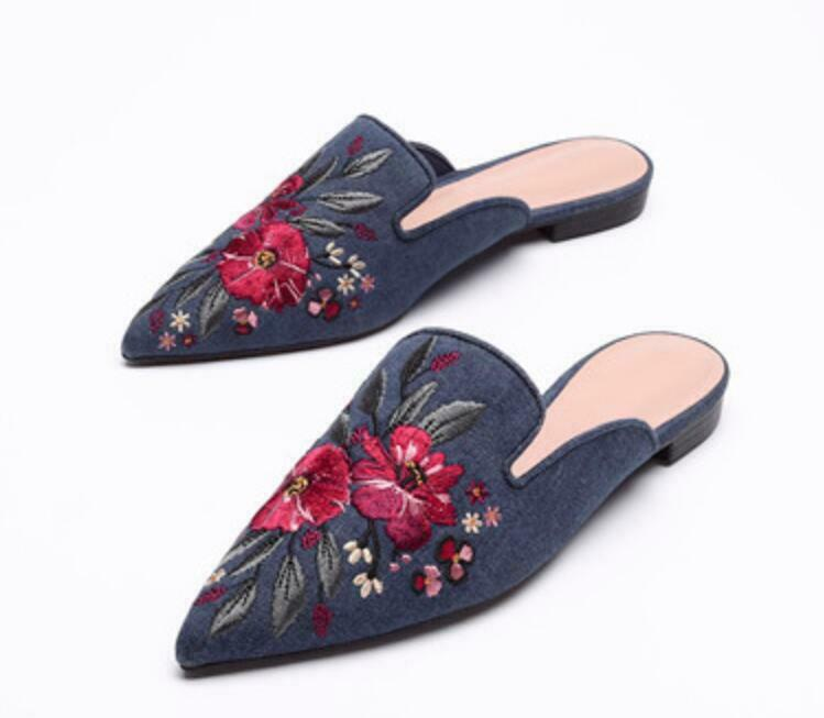 Occident donna Vintage Embroidery Floral Slip On Pointed Toe Mules sautope Slipper